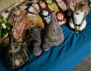 rzeźby ceramiczne urny
