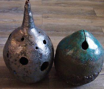 rzeźby ceramiczne kokony kabaki